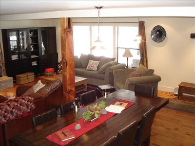 Twin Bridges house rental - More seating in huge family room