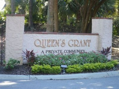 Entrance of Queens Grant in Palmetto Dunes