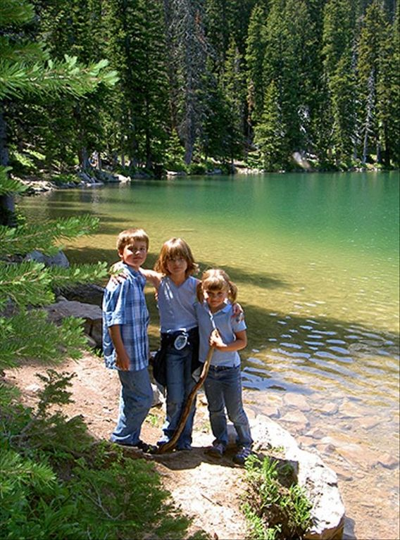 Best hike and family fun at Fairy Lake near Bridger Vista