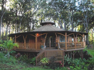 Serenity in Paradise- at our Exclusive Bamboo Temple Retreat w/ private Hot Tub