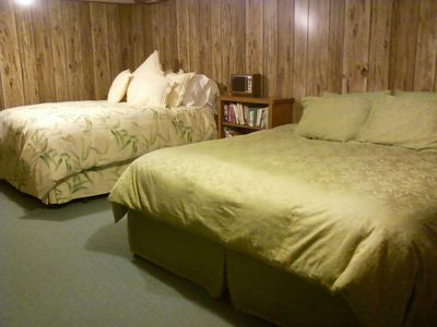 Lake Seymour house rental - bedroom downstairs, king temperpedic and queen bed