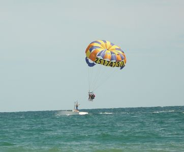 beach rentals to include parasailing & wave runners