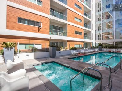Luxury Condo With Pool Just A Few Steps From World Famous Hollywood Boulevard!