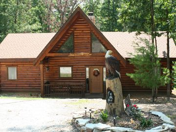 Branson cabin rental - Comfortable Two Bedroom Log Home