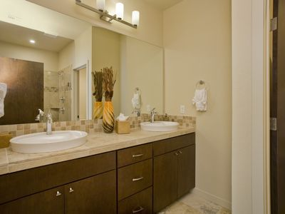 Old Town Scottsdale townhome rental - Master bath