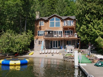 'The Sugar Shack' Lake view of your private get away!