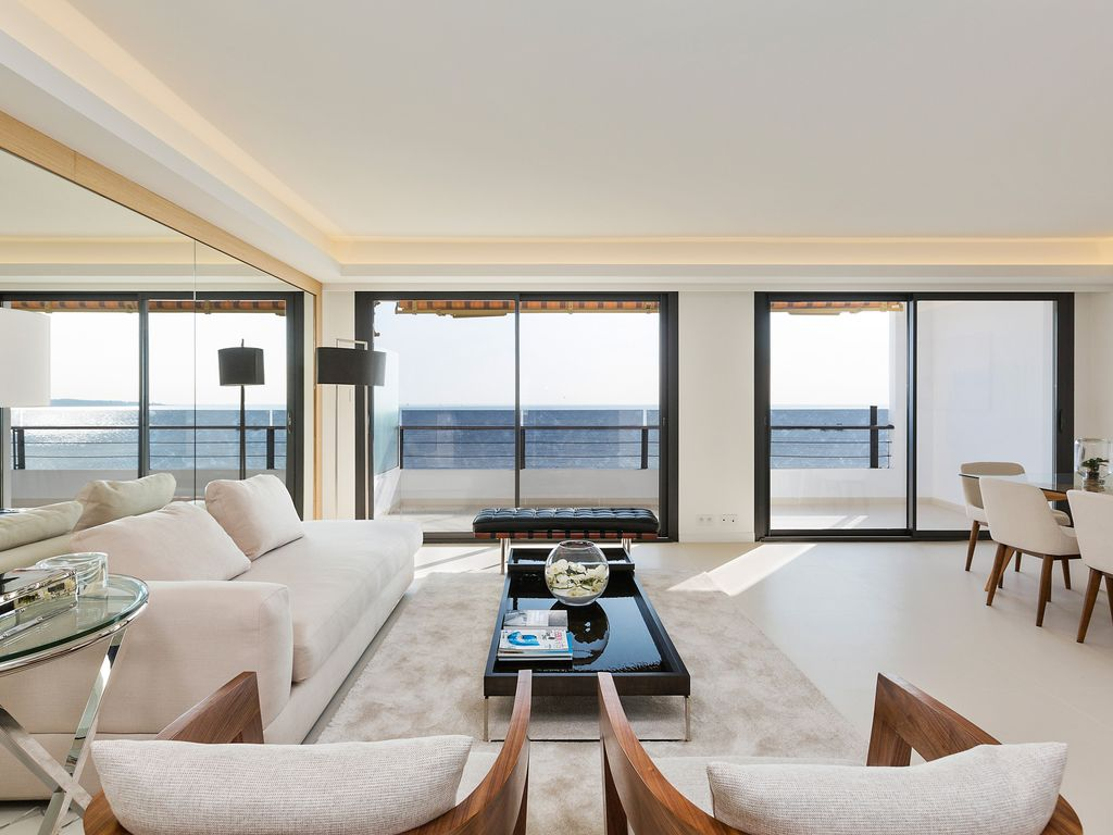 BREATH TAKING SEA VIEW LUXURIOUS DESIGN APARTMENT