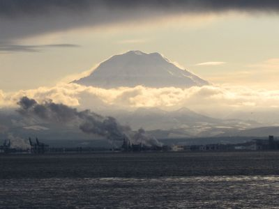 Mt. Rainier from the deck with a telephoto lens