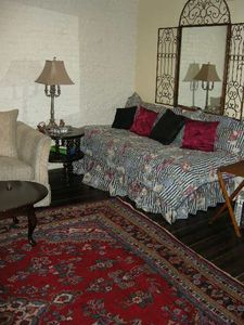 Midtown Manhattan apartment rental - Bahama Bed in the Lounge