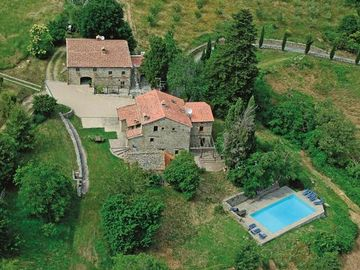 Holiday house Caprese Michelangelo for 13 persons with 6 bedrooms - Farmhouse