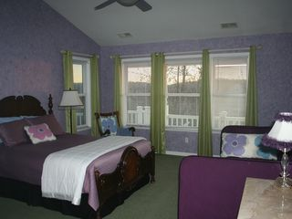 Auburn house photo - #2. Upstairs Lavender Room- Queen and Single Bed.