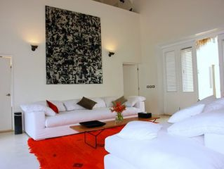 Las Terrenas villa photo - Living room with contemporary art