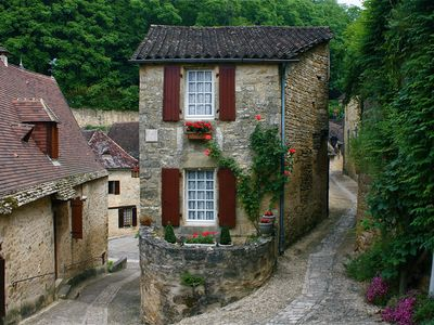 Picturesque Cottage centrally located in Most Beautiful Village of France