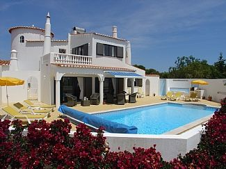 Detached Villa With Private Heated Pool