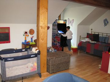 Kids playroom with bunk beds. Can sleep 10 kids.