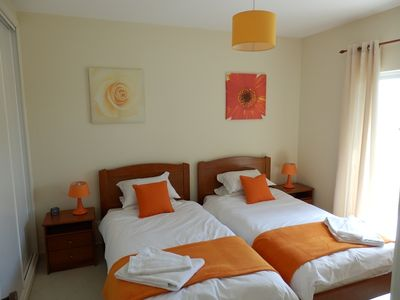 Clube Albufeira Resort apartment rental - Twin bedroom with patio doors onto terrace