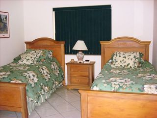 Key Largo house photo - Twin Bed Guest Bedroom