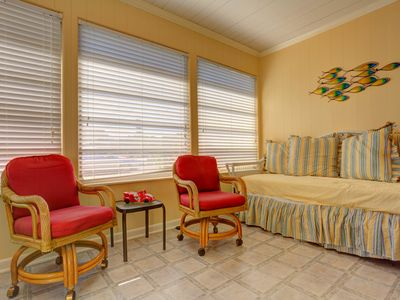 Enjoy our Florida room with futon sleeper