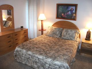 Maalaea condo photo - Master Bedroom With Queen Bed