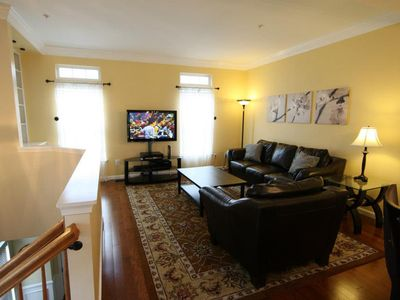 Living Room with large HDTV & FIOS TV/Internet