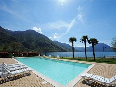 Apartment for 2 people, with swimming pool, close to the beach in Porlezza