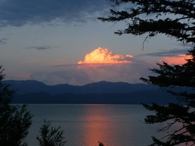Beautiful, ever-changing picturesque views across Flathead Lake!