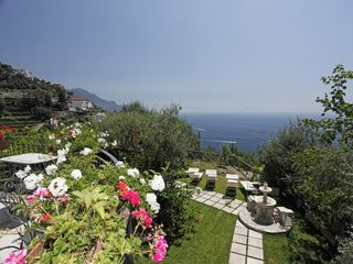 Amalfi villa photo - Garden an view of the solarium