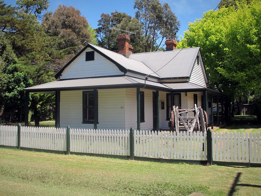 Lynden Cottage - built 1884