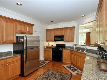 Spacious Kitchen with Breakfast Area