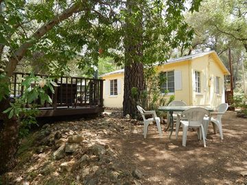 Coloma cottage rental - the 'Riverdeck'