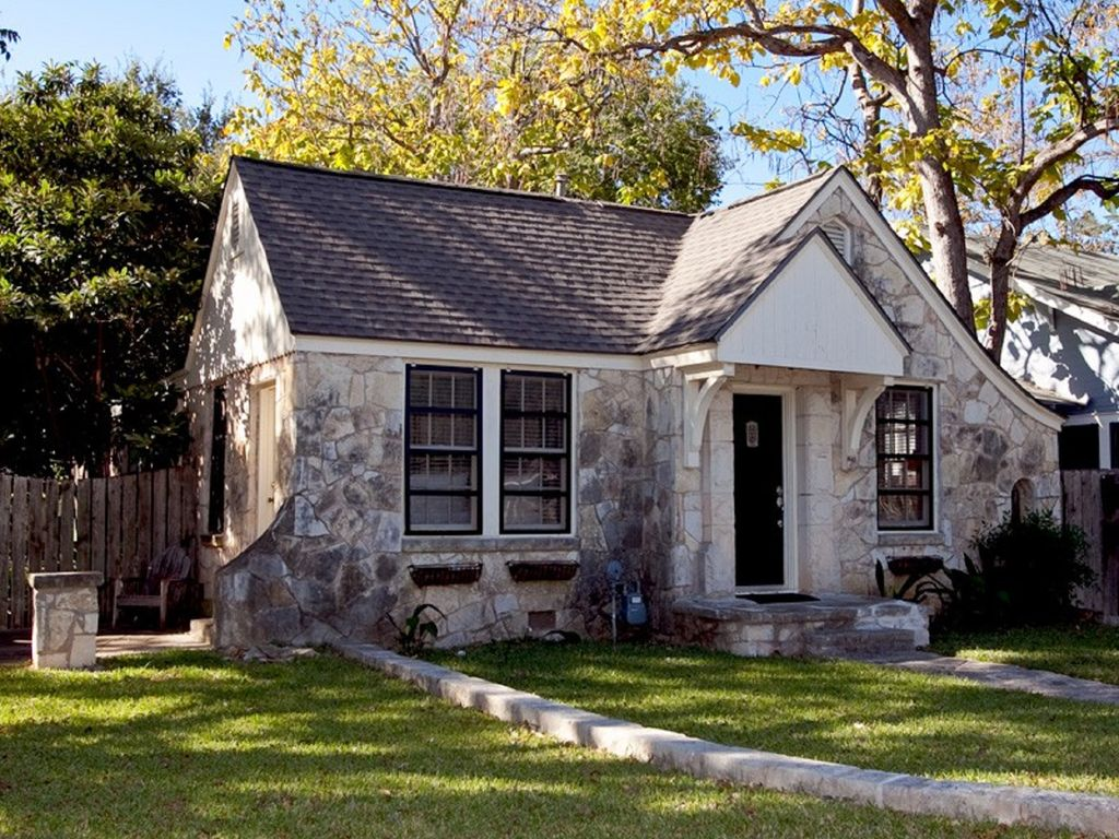 Cheery Stone Cottage at UT and Downtown with Backyard Living Spaces