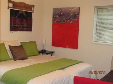 Guest bedroom sleeps 2. Each guest has their own twin bed.