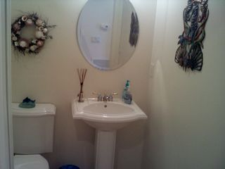 Englewood condo photo - POWDER ROOM
