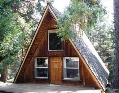 Vintage a frame cabin on lake almanor cove vrbo for Vacation cabin kits