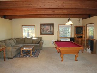 Half of 20x40 living / dining room/ pool table area - Sandpoint house vacation rental photo