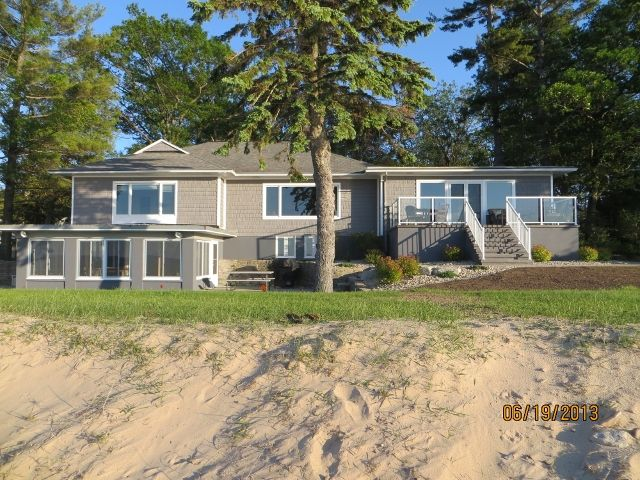 Beautiful Waterfront Home With All The Comforts & 150' Sandy Beach!