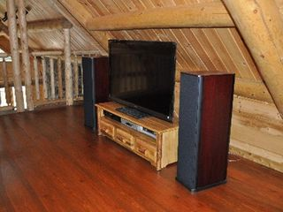 Woodstock lodge photo - Loft - TV and Sound System