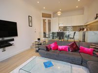 A two double apartment close to all the amenities Earls Court has to offer