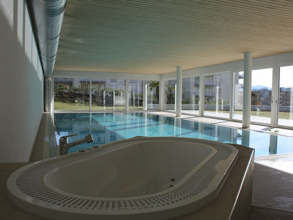 Indoor swimming pool private gardens vrbo for Private indoor swimming pools