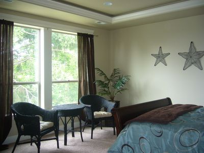 Lincoln City house rental - Master Suite with sitting area, TV and Desk