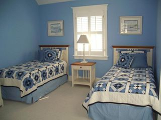 Bald Head Island house photo - Upstairs Twin Bedroom with private bath