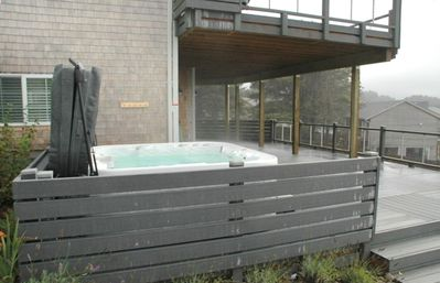 Enjoy the 7 person hot tub which sits on the lower deck.