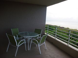 Somerset condo photo - New Lanai Furniture