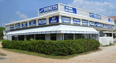 Gulf Resort Beach cottage rental - A short walk to Thomas Donuts!