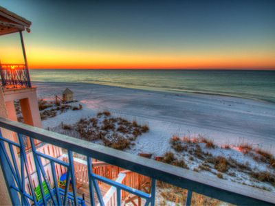 902 tides tops 39 l best beachfront rates all incl for Mitchell s fish market destin