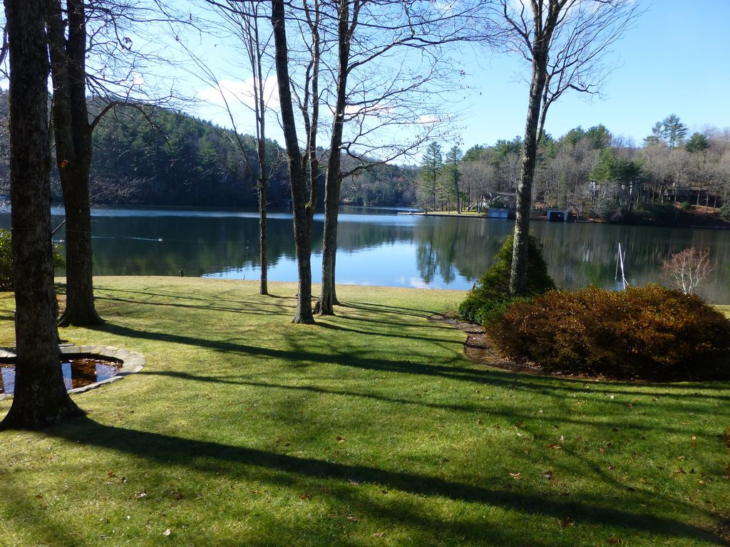 lake toxaway single girls 119 single family homes for sale in lake toxaway nc view pictures of homes, review sales history, and use our detailed filters to find the perfect place.
