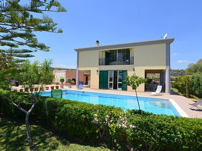 Amazing house of 160 sqm in the countryside with private pool and soccer field