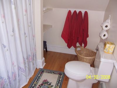Southport house rental - One of the 6 bathrooms