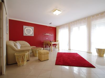 Terrace, underfloor heating, a clean, upscale apartment