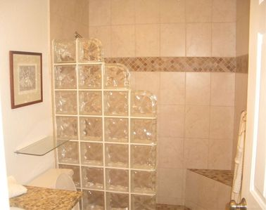 Kailua Kona condo rental - Master Bath with Glass Block Walk in Shower